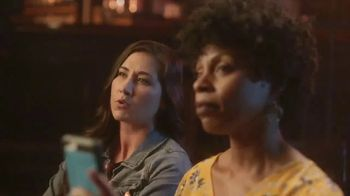 GEICO TV Spot, 'CMT Artists of the Year: Three Arms' - Thumbnail 9