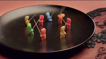 Sour Patch Kids Zombies TV Spot, 'Fiesta de Halloween' [Spanish] - Thumbnail 7