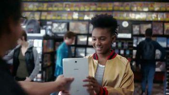 Samsung Galaxy TV Spot, 'Elevar al mismo nivel: intercambio' con Travis Scott, Ninja [Spanish]