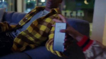 Samsung Galaxy TV Spot, 'Elevar al mismo nivel: intercambio' con Travis Scott, Ninja [Spanish] - Thumbnail 4