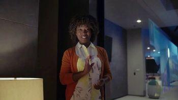 Samsung Galaxy TV Spot, 'Elevar al mismo nivel: intercambio' con Travis Scott, Ninja [Spanish] - Thumbnail 6