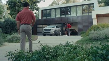 State Farm TV Spot, 'RoboAgent' Featuring Chris Paul, James Harden, Oscar Nuñez - Thumbnail 1