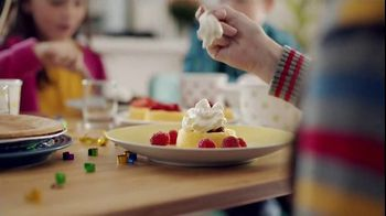 Reddi-Wip TV Spot, 'Kids' Table' - Thumbnail 6