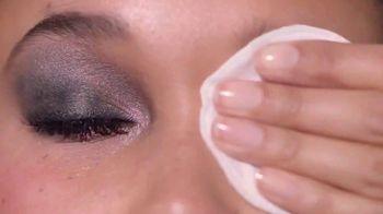 Garnier Micellar Cleansing Water TV Spot, 'Goodbye Wipes' Song by Don Ho - Thumbnail 6