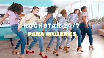 Old Navy 24/7 Jeans TV Spot, 'Demin para la familia' [Spanish] - Thumbnail 5