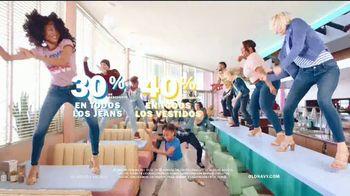 Old Navy 24/7 Jeans TV Spot, 'Demin para la familia' [Spanish] - Thumbnail 8