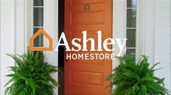 Ashley HomeStore Labor Day Sale TV Spot, 'Doorbusters: Sectional' - Thumbnail 3