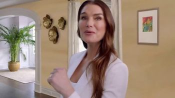 La-Z-Boy Labor Day Sale TV Spot, 'Duo: Both' Featuring Brooke Shields - Thumbnail 4