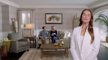 La-Z-Boy Labor Day Sale TV Spot, 'Duo: Both' Featuring Brooke Shields - Thumbnail 8
