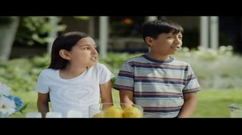 DIRECTV NFL Sunday Ticket TV Spot, 'Lemonade' - Thumbnail 2