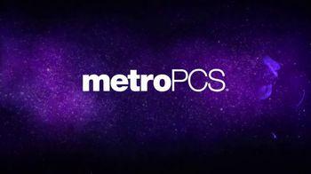 MetroPCS TV Spot, 'Three Free Phones' Song by Oh The Larceny - Thumbnail 9