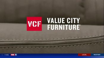 Value City Furniture The Labor Day Sale TV Spot, 'Style and Comfort' - Thumbnail 6