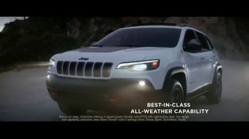 Jeep Summer of Jeep TV Spot, 'Full Line: Sold Out: Design' Song by OneRepublic [T2] - Thumbnail 5