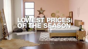 Macy's Labor Day Sale TV Spot, 'Furniture and Mattresses' - Thumbnail 3