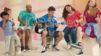 JCPenney TV Spot, 'Family Deal: 60 Percent' - Thumbnail 10