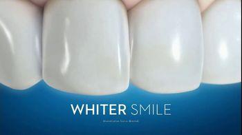 Crest 3D White Luxe TV Spot, 'Dinner Date: Coupon' - Thumbnail 8
