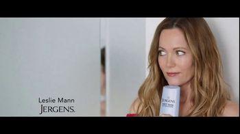 Jergens Wet Skin Moisturizer TV Spot, 'Locked' Featuring Leslie Mann - Thumbnail 1