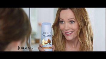 Jergens Wet Skin Moisturizer TV Spot, 'Locked' Featuring Leslie Mann