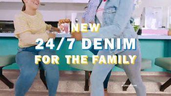 Old Navy 24/7 Denim TV Spot, 'Denim for the Fam: 30 Percent' - Thumbnail 3