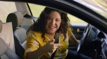 JCPenney Venta Sopresa TV Spot, 'Apúrale' canción de Redbone [Spanish] - Thumbnail 7
