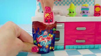Shopkins Mini Packs TV Spot, 'CookieSwirlC: Baking a Cake' - Thumbnail 7