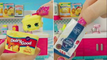 Shopkins Mini Packs TV Spot, 'CookieSwirlC: Baking a Cake' - Thumbnail 1