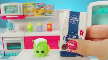 Shopkins Mini Packs TV Spot, 'CookieSwirlC: Baking a Cake' - Thumbnail 5