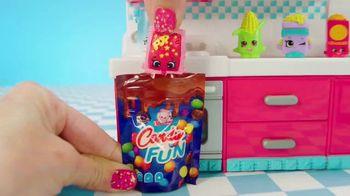Shopkins Mini Packs TV Spot, 'CookieSwirlC: Baking a Cake' - Thumbnail 6