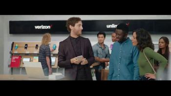 Verizon Unlimited TV Spot, 'Unboxing' Featuring Thomas Middleditch - Thumbnail 4
