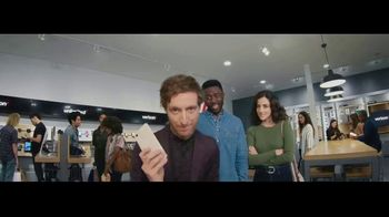 Verizon Unlimited TV Spot, 'Unboxing' Featuring Thomas Middleditch - Thumbnail 9