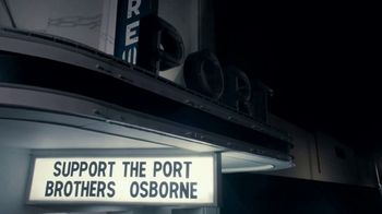 2019 Ram 1500 TV Spot, 'Support The Port' Song by Brothers Osborne [T1] - Thumbnail 7