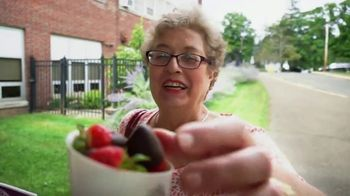 Edible Arrangements TV Spot, 'Surprise Savings' - Thumbnail 2