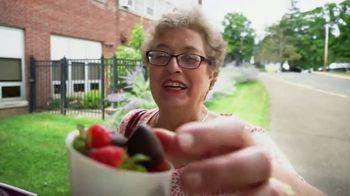 Edible Arrangements TV Spot, 'Surprise Savings' - Thumbnail 2