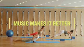 Garmin vívoactive 3 Music TV Spot, 'Worm' - Thumbnail 7