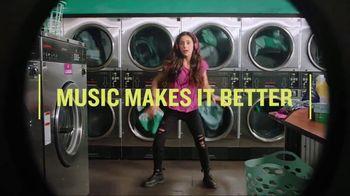 Garmin vívoactive 3 Music TV Spot, 'Laundry' Song by Dawin - Thumbnail 5