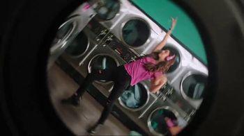 Garmin vívoactive 3 Music TV Spot, 'Laundry' Song by Dawin - Thumbnail 8