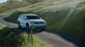 Volkswagen TV Spot, 'Jump on the Wagen' [T1] - Thumbnail 8