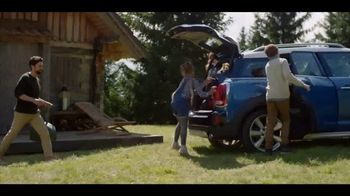 MINI Countryman TV Spot, 'More Moments to Discover' Song by Alice Merton [T1]