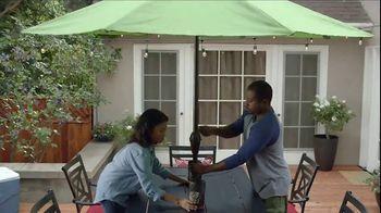 Lowe's Father's Day Savings TV Spot, 'Good Backyard: Grills' - Thumbnail 8