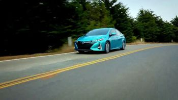 2018 Toyota Prius Prime TV Spot, '640 Miles Per Fill-Up' [T2] - Thumbnail 6