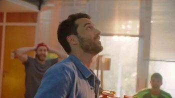 Clamato TV Spot, 'La cerveza va por nuestra cuenta' [Spanish] - Thumbnail 6