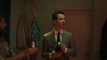 Heineken TV Spot, 'La fiesta equivocada' [Spanish] - Thumbnail 3