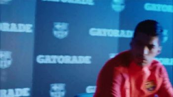 Gatorade TV Spot, 'Everything Changes' Featuring Luis Suárez, Lionel Messi - Thumbnail 6