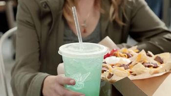 Taco Bell $5 Steak Nachos Box TV Spot, 'Turn a Snack into a Meal' - Thumbnail 7