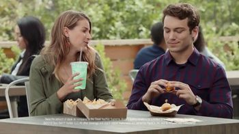 Taco Bell $5 Steak Nachos Box TV Spot, 'Turn a Snack into a Meal' - Thumbnail 8