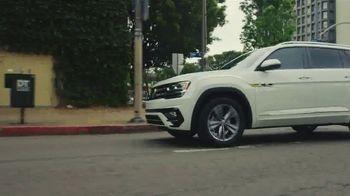 Volkswagen TV Spot, 'Fox Sports: Jump on the Wagen' Featuring Alexi Lalas [T1] - Thumbnail 1