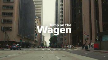 Volkswagen TV Spot, 'Fox Sports: Jump on the Wagen' Featuring Alexi Lalas [T1] - Thumbnail 10
