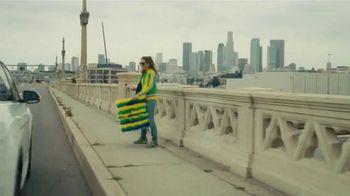 Volkswagen TV Spot, 'Fox Sports: Jump on the Wagen' Featuring Alexi Lalas [T1] - Thumbnail 3