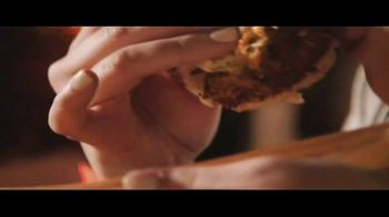 King's Hawaiian TV Spot, 'Hawaiian Foods Week: Taste of Aloha' - Thumbnail 7