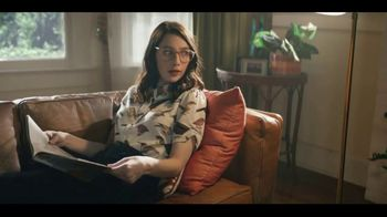 LG G7 TV Spot, 'What's It Gonna Take: T-Mobile' Featuring Aubrey Plaza - Thumbnail 2